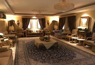 قصر  للبيع مساحته كبيرة حي الرحمانية
