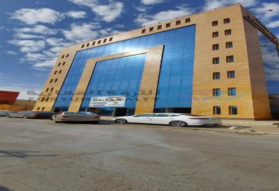 مكتب فاخرة على طريق الملك عبدالله