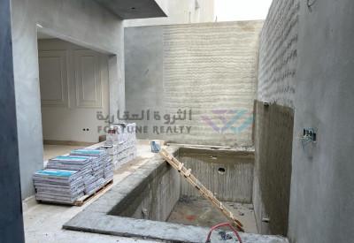 للبيع فيله مودرن حي الملقا درج صاله المساحه 453 مشارع 15 موقع ممتاز وحي راقي