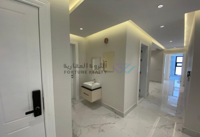 للايجار شقة ( بالماجدية ) جديده و فاخرة